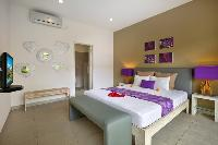 pristine bedding in Bali Cosy Villa luxury apartment