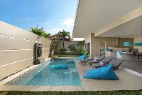 refreshing pool of Bali Cosy Villa luxury apartment