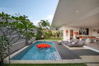 incredible lanai by the pool of Bali Cosy Villa luxury apartment