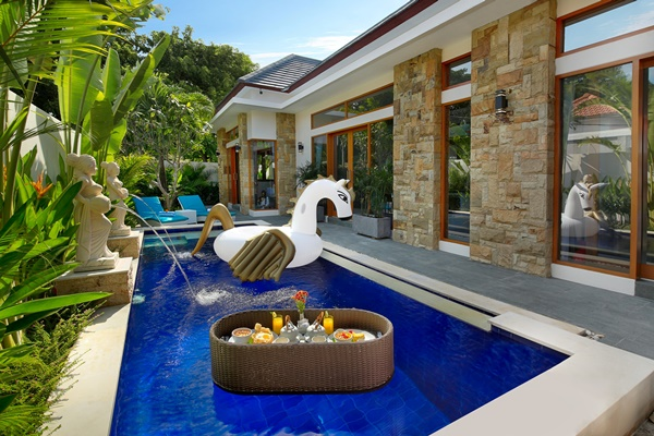 amazing Bali - Legian Villa Holliday luxury apartment an holiday home
