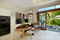 sunny and airy Bali - Legian Villa Holliday luxury apartment