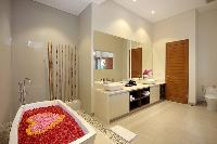 awesome freestanding tub in Bali - Legian Villa Holliday luxury apartment