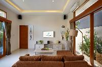 airy and sunny Bali - Legian Villa Holliday luxury apartment