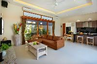 breezy and bright Bali - Legian Villa Holliday luxury apartment
