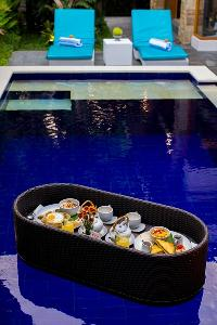 nice accents in Bali - Legian Villa Holliday luxury apartment
