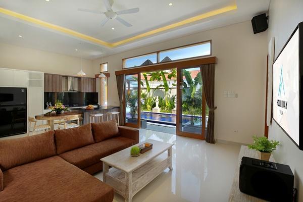 amazing open-plan living room of Bali - Legian Villa Holliday luxury apartment