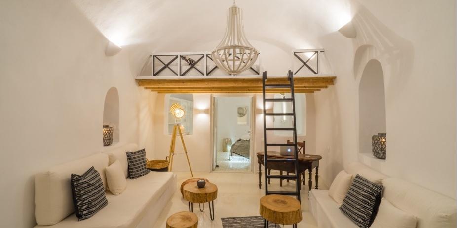 Greece - Santorini Earth Suite