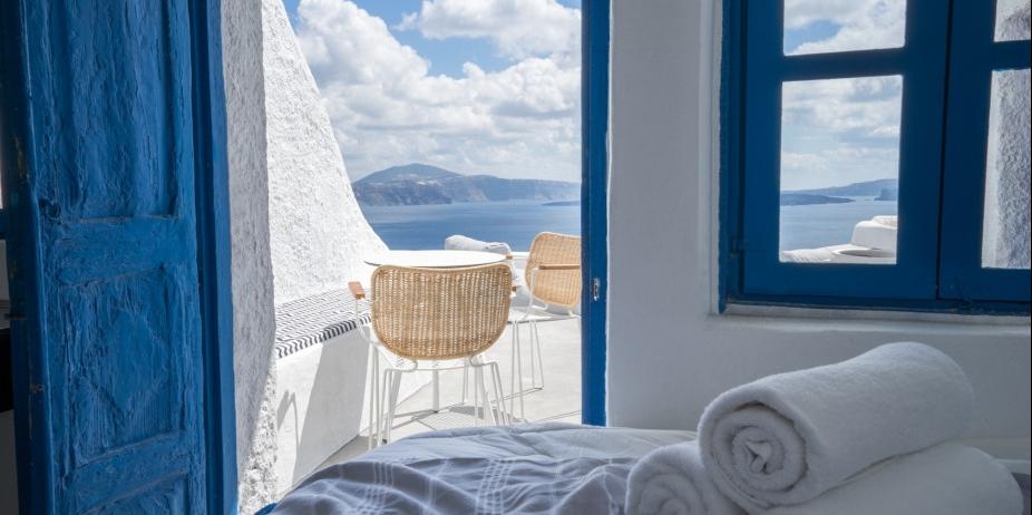 Greece - Santorini Azure Suite