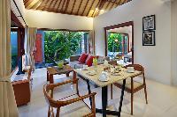 breezy and bright Bali - Legian Kriyamaha Villa 3 luxury apartment