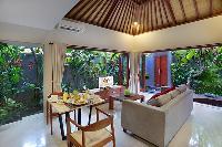 airy and sunny Bali - Legian Kriyamaha Villa 3 luxury apartment