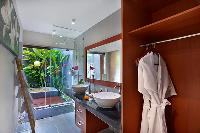 clean and fresh bathroom in Bali - Legian Kriyamaha Villa 3 luxury apartment