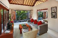charming and chic Bali - Legian Kriyamaha Villa 3 luxury apartment