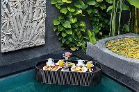 nice and neat trimmings in Bali - Legian Kriyamaha Villa 3 luxury apartment