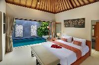 amazing ceiling of Bali - Legian Kriyamaha Villa 3 luxury apartment