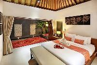 clean and crisp bedroom linens in Bali - Legian Kriyamaha Villa 3 luxury apartment