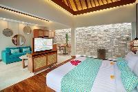 clean and fresh bedroom linens in Bali - Seminyak Aksari Villa luxury apartment
