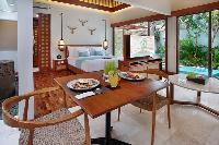 bright and breezy Bali - Seminyak Aksari Villa luxury apartment