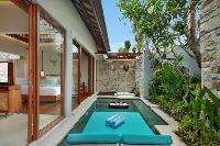 invigorating pool of Bali - Seminyak Aksari Villa luxury apartment