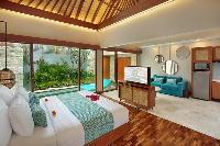 fresh and clean bedroom linens in Bali - Seminyak Aksari Villa luxury apartment