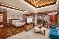 sunny and airy Bali - Seminyak Aksari Villa luxury apartment