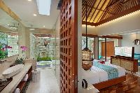 airy and sunny Bali - Seminyak Aksari Villa luxury apartment