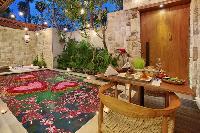 charming and chic Bali - Seminyak Aksari Villa luxury apartment
