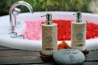 nice accents in Bali - Seminyak Aksari Villa luxury apartment