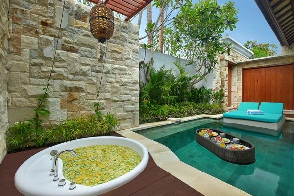 cool swimming pool of Bali - Seminyak Aksari Villa luxury apartment