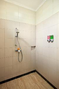 invigorating shower in Bali - The Vie Villa luxury apartment