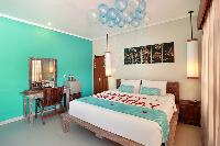 crisp and clean bedding in Bali - The Vie Villa luxury apartment
