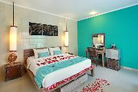 pristine bed sheets and pillows in Bali - The Vie Villa luxury apartment