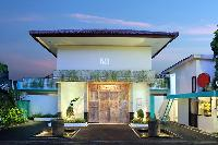 awesome exterior of Bali - The Vie Villa luxury apartment