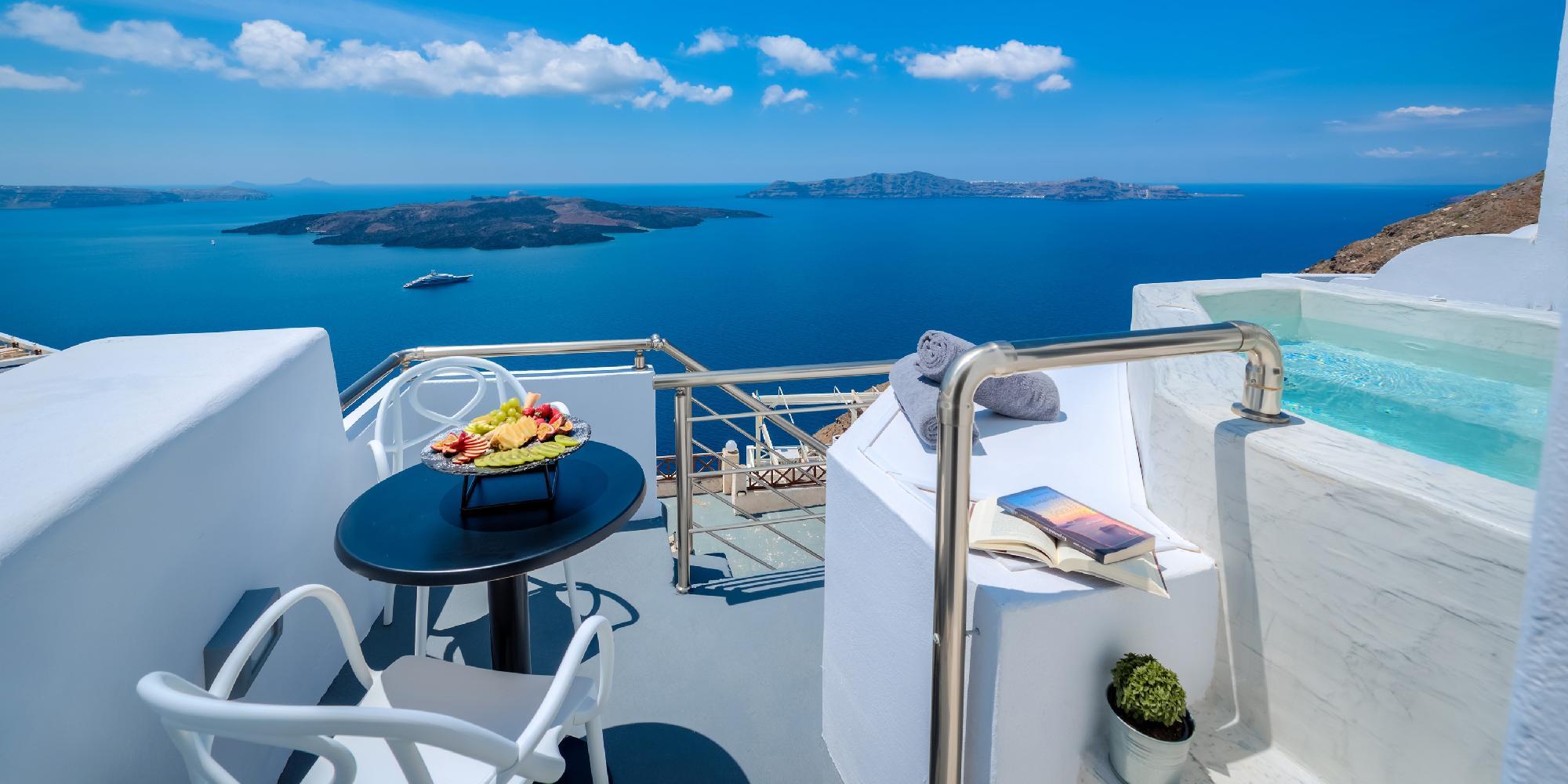 Greece - Superior Fira Santorini Suite