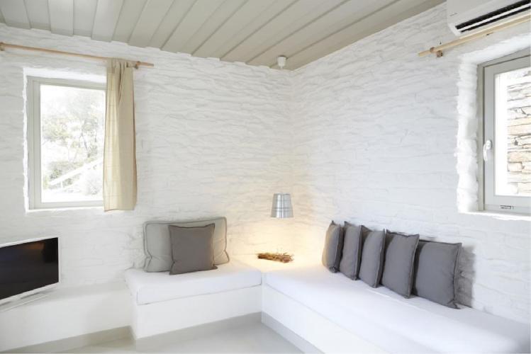 neat Greece Ioulida Honeymoon Suite luxury holiday home, vacation rental