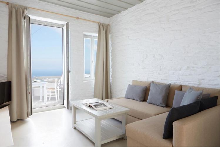 chic Greece Ioulida Honeymoon Suite luxury holiday home, vacation rental