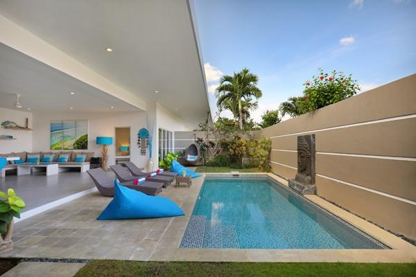 amazing swimming pool of Bali Cosy Villa Blue luxury apartment