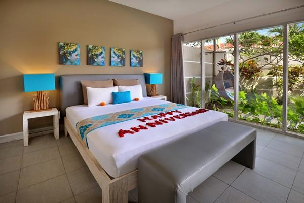 cool access to the garden of Bali Cosy Villa Blue luxury apartment