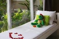 clean and fresh bedroom linens in Bali Cosy Villa Lime luxury apartment