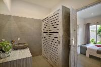 refreshing bathroom in Bali Cosy Villa Lime luxury apartment