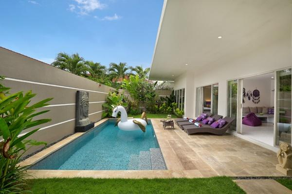awesome swimming pool of Bali Cosy Villa Lila luxury apartment