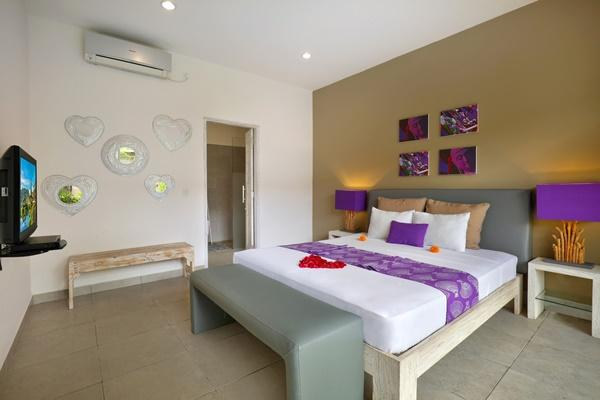 clean and fresh bedroom linens in Bali Cosy Villa Lila luxury apartment
