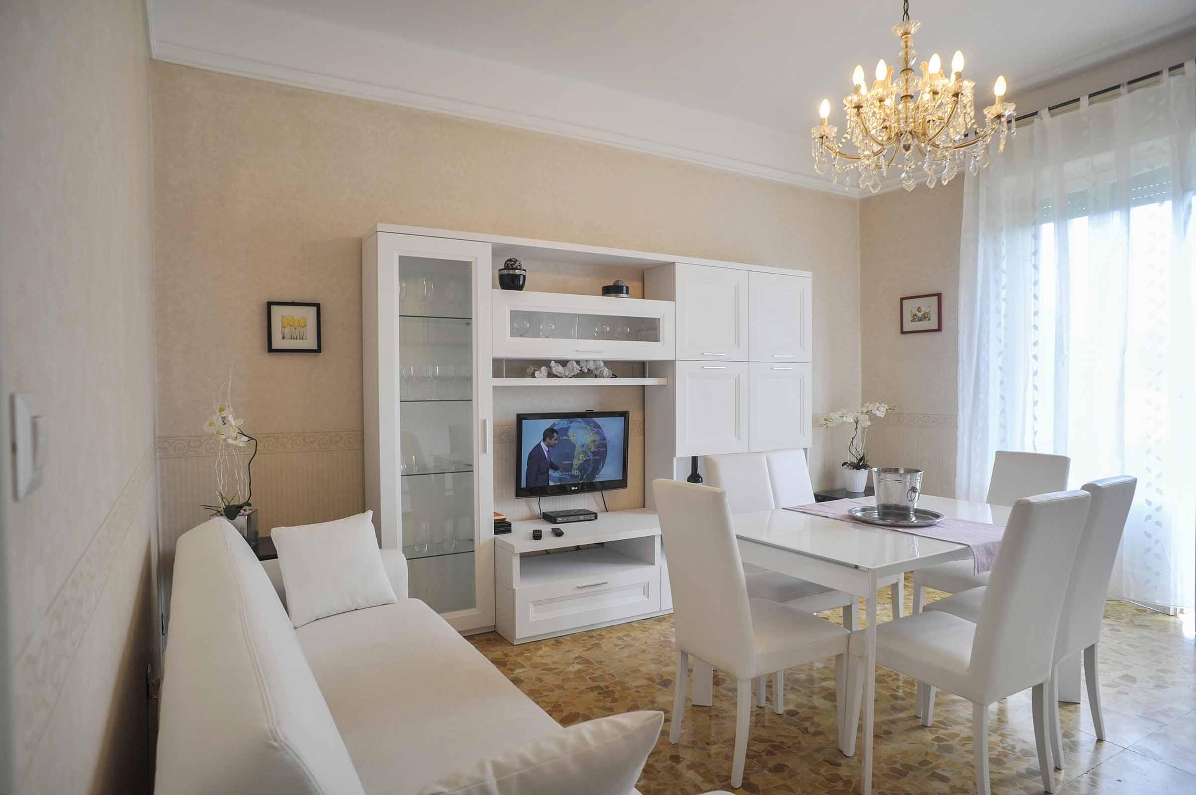 Bellagio - Deluxe Apartment with Balcony