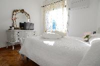 lovely bedroom in Bellagio - Favola Superior Front Lake luxury apartment