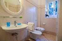 clean Bellagio - Favola Superior Front Lake luxury apartment