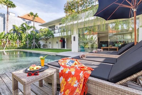 awesome Bali - Aquila Villa Seminyak luxury apartment and holiday home