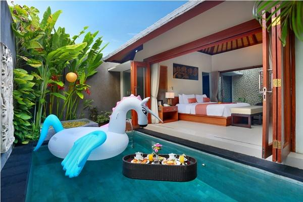 adorable swimming pool of Bali - Legian Kriyamaha Villa 2 luxury apartment