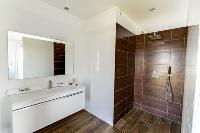 neat and trim bathroom in Corsica - Figarella luxury apartment