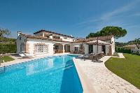awesome pool of Cannes Villa Panoramique luxury apartment