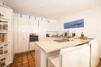 nifty kitchen of Cannes Villa Panoramique luxury apartment