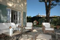 awesome patio of Cannes Villa Ste Genevieve luxury apartment